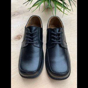 Florsheim boys black dress shoes